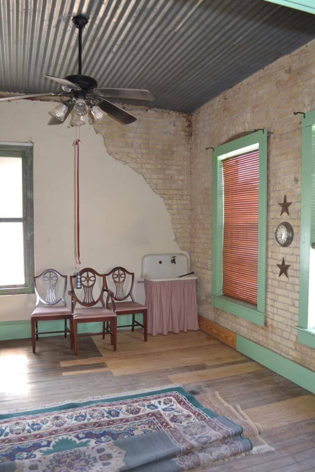 Weischwill Real Estate 118 E Main St Yorktown Tx 78164