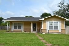 house for sale in Goliad